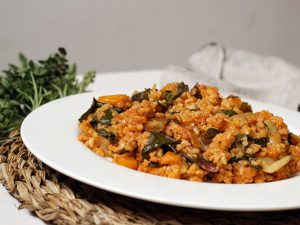 Arroz integral meloso con verduras